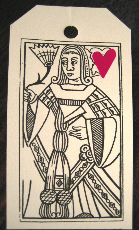 gift tafs: queen of hearts