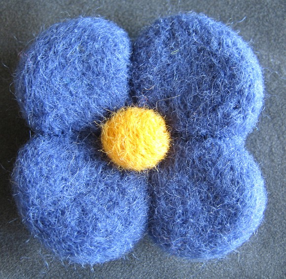 blue & yellow pin